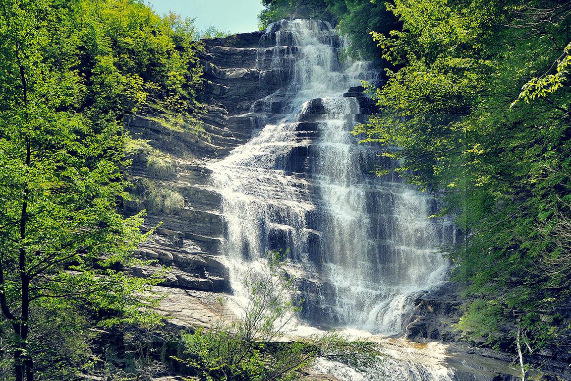 The Waterfalls of Acquacheta | Photo © parcoforestecasentinesi.it