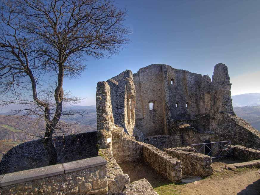 castello canossa
