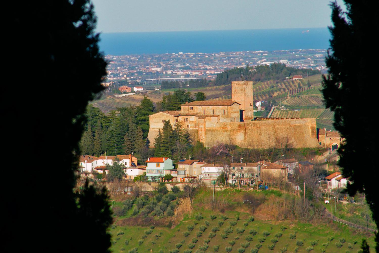 Castle of Sorrivoli | Photo © Costanzo Battistini, via touringclub.it