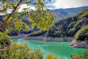 The Lake (and its dam) of Ridracoli: a paradise amidst the Casentinesi Forests