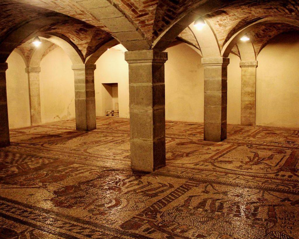Abbazia, mosaico ph. @terryjmarengo www.instagram.com/p/BUcdBGcgifq