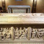 Sarcofago San Colombano ph. @v.i.nce.n.t www.instagram.com/p/BTmd8_ml6oA/