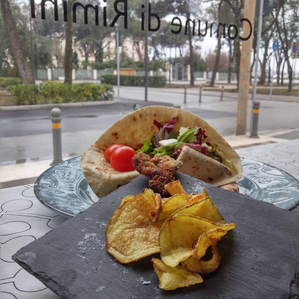 @federica_rn74: Il cuore di Rimini, piada sardoncino e insalata
