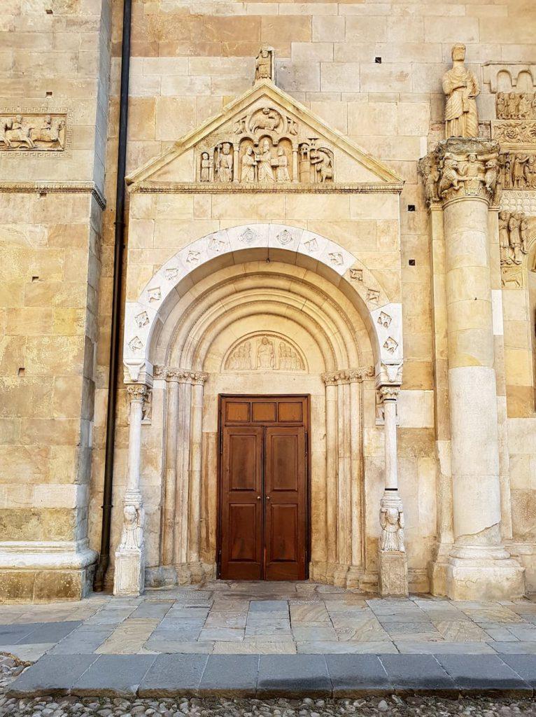 Duomo, portale centrale, ph. opi1010