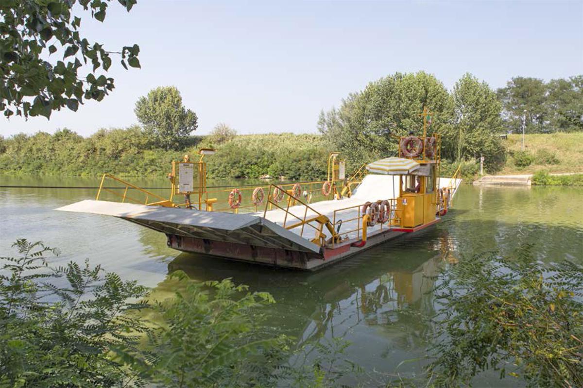 Lungo il fiume Lamone | Traghetto sul fiume Reno (Sant'Alberto, Ravenna)
