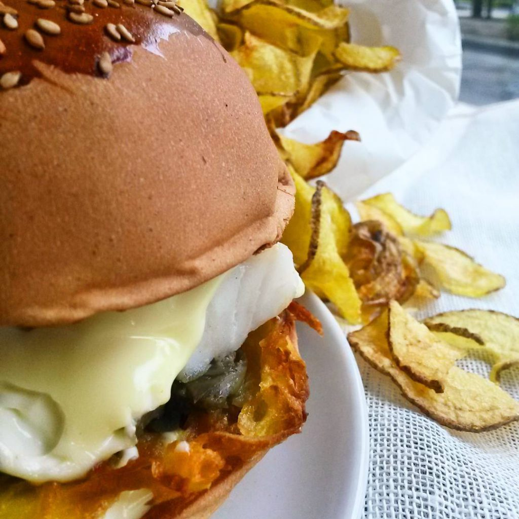 @lamoraromagnola: Burger in primo piano