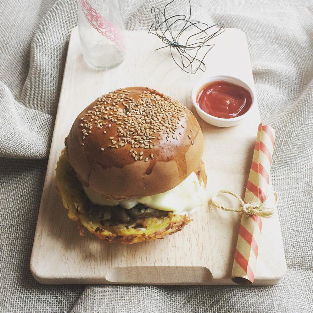 @latartemaison: Burger con baccalà..e scatta