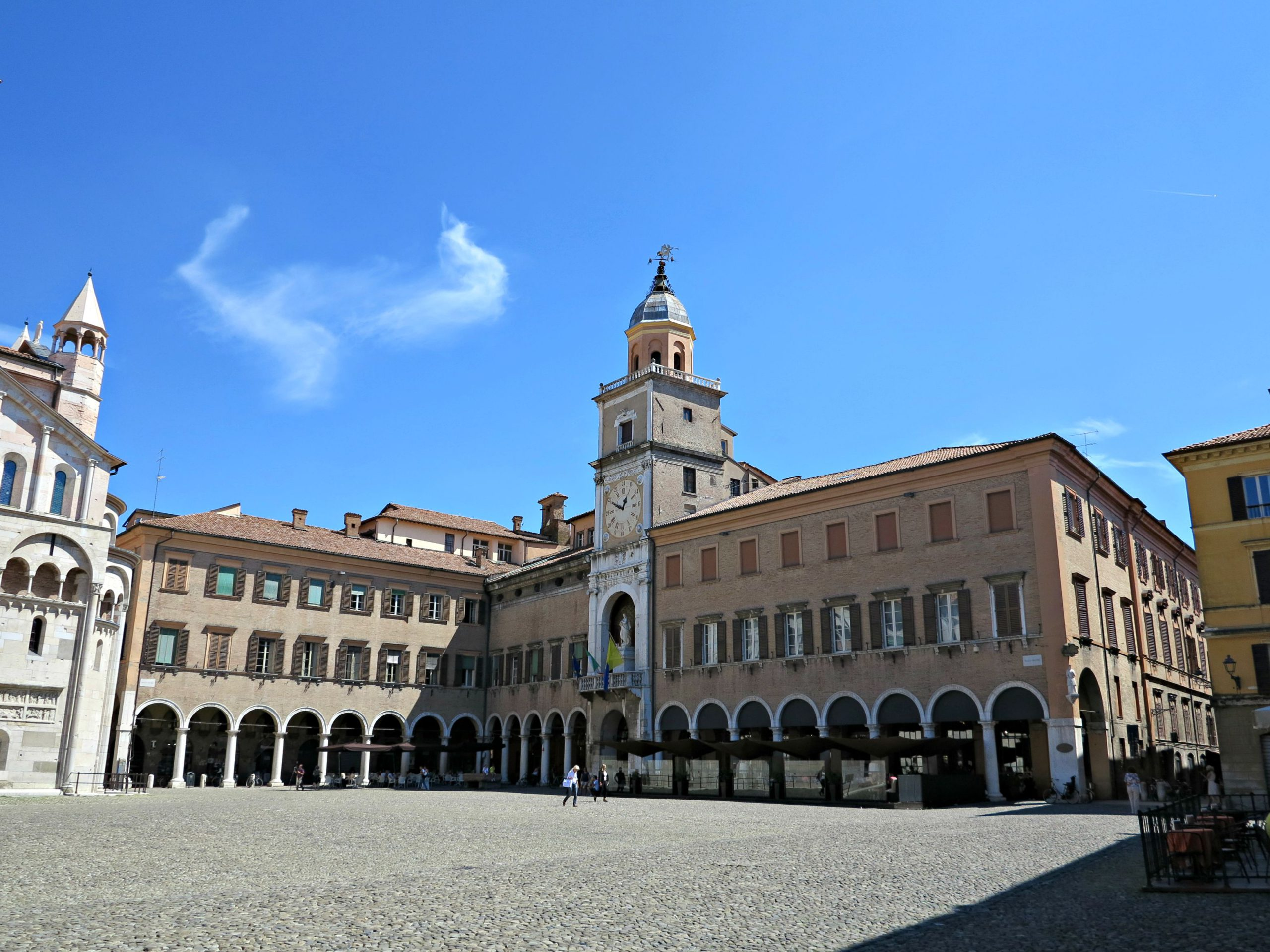 [ParlamiditER] Modena, un racconto nella storia