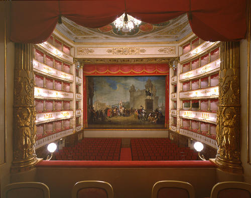 Modena, Teatro Luciano Pavarotti, ph. teatrocomunalemodena.it/