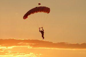 In paracadute nei cieli dell'Emilia Romagna