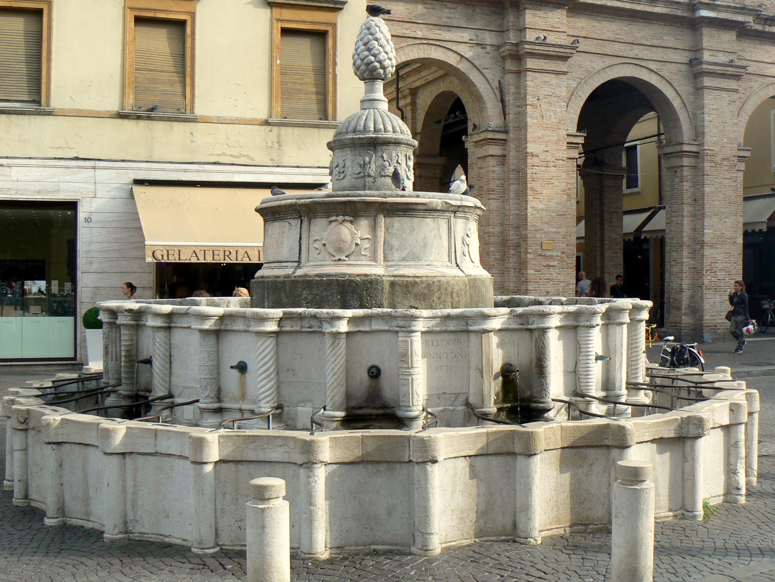 Rimini, Fontana della Pigna, Ph. paperoastro