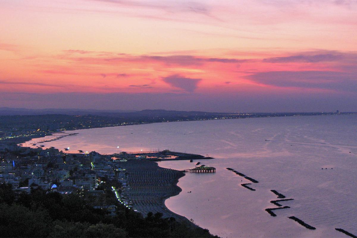 Riviera di Romagna dal monte Gabicce