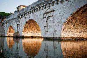 La vera storia del Ponte di Tiberio di Rimini