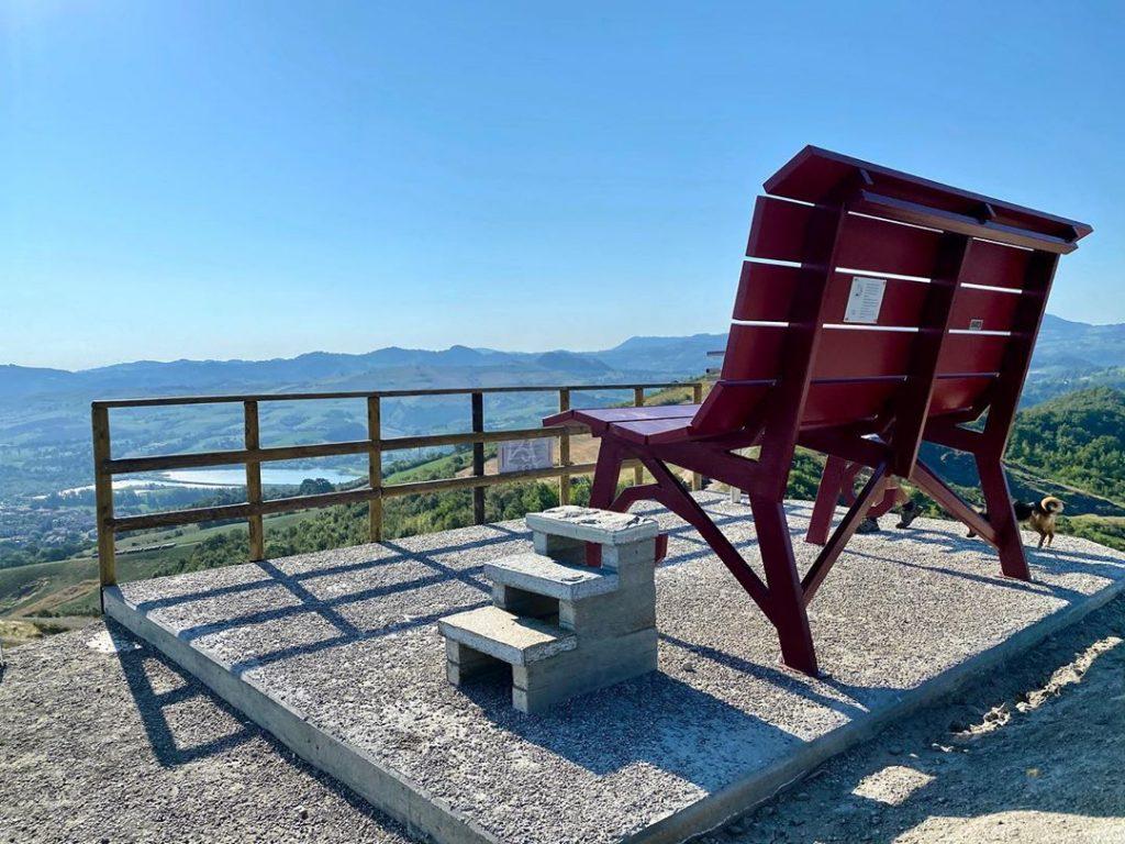 Panchina gigante a Castellarano Ph. @annalisare82