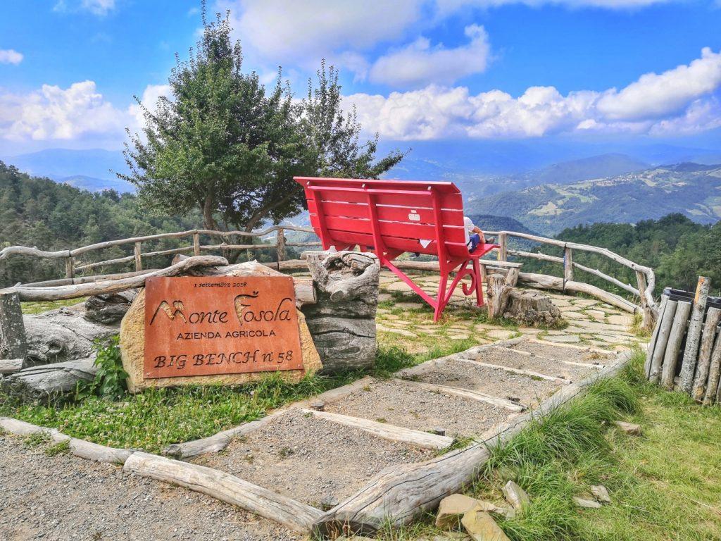 Panchina Monte Fosola, ph. visitreggioemilia.home.blog