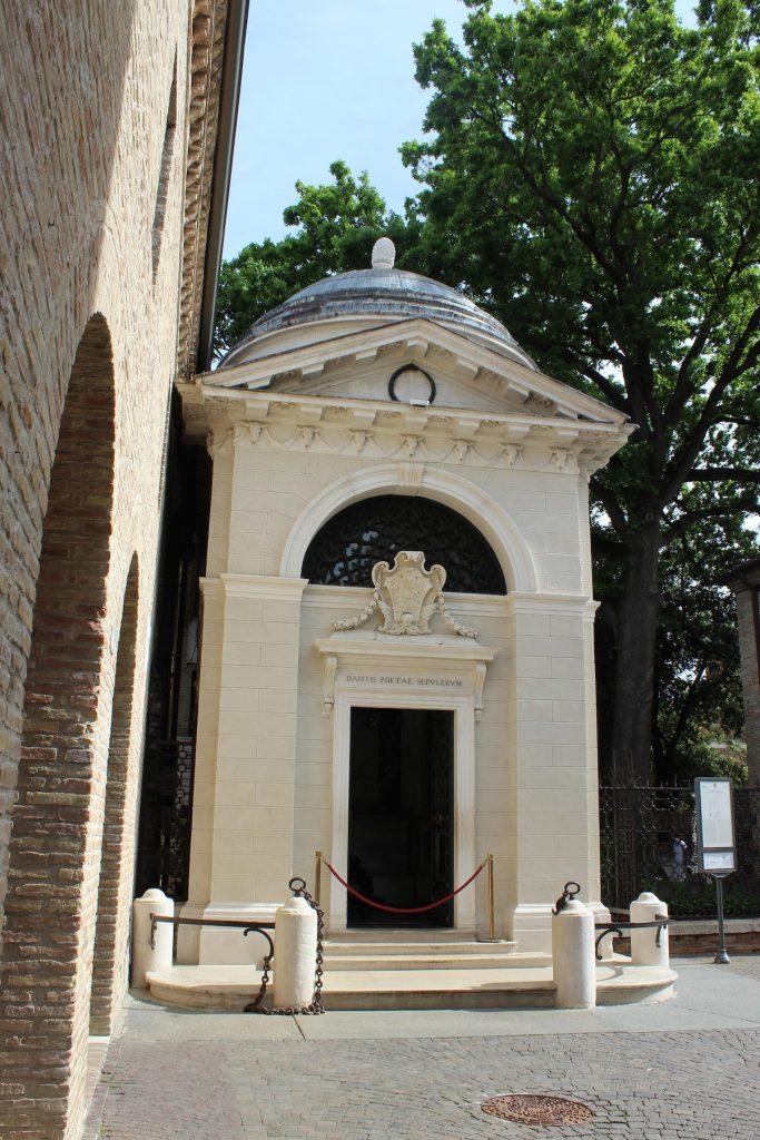 Ravenna, Tomba di Dante protagonista del Safari Urbano a Ravenna, ph. Giada-Rubinato